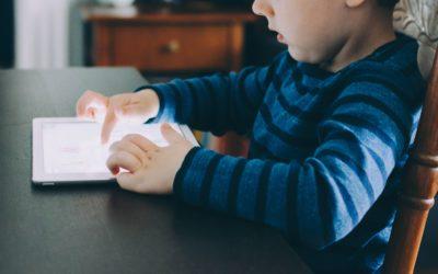 czy tablet/smartphone jest szkodliwy dla zdrowia dziecka?